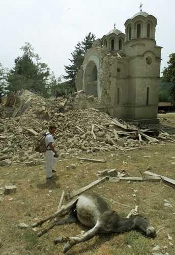 lesok crkva 2001